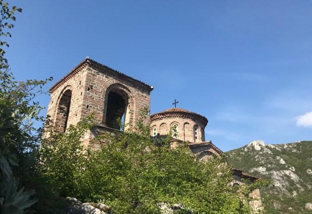 Pyhän Marian kirkko, Asenin linnoitus
