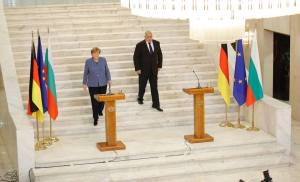 In Sofia, Merkel gives her blessing to summit with Turkey