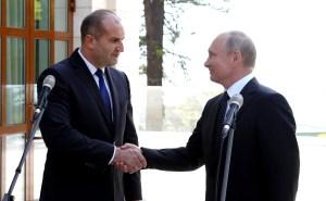 Borissov eagerly accepts the Kremlin invite