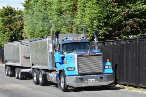 small resolution of all three are powered by mack e9 v8s and it was absolutely glorious to hear them singing as they drove up the hill first their superliner
