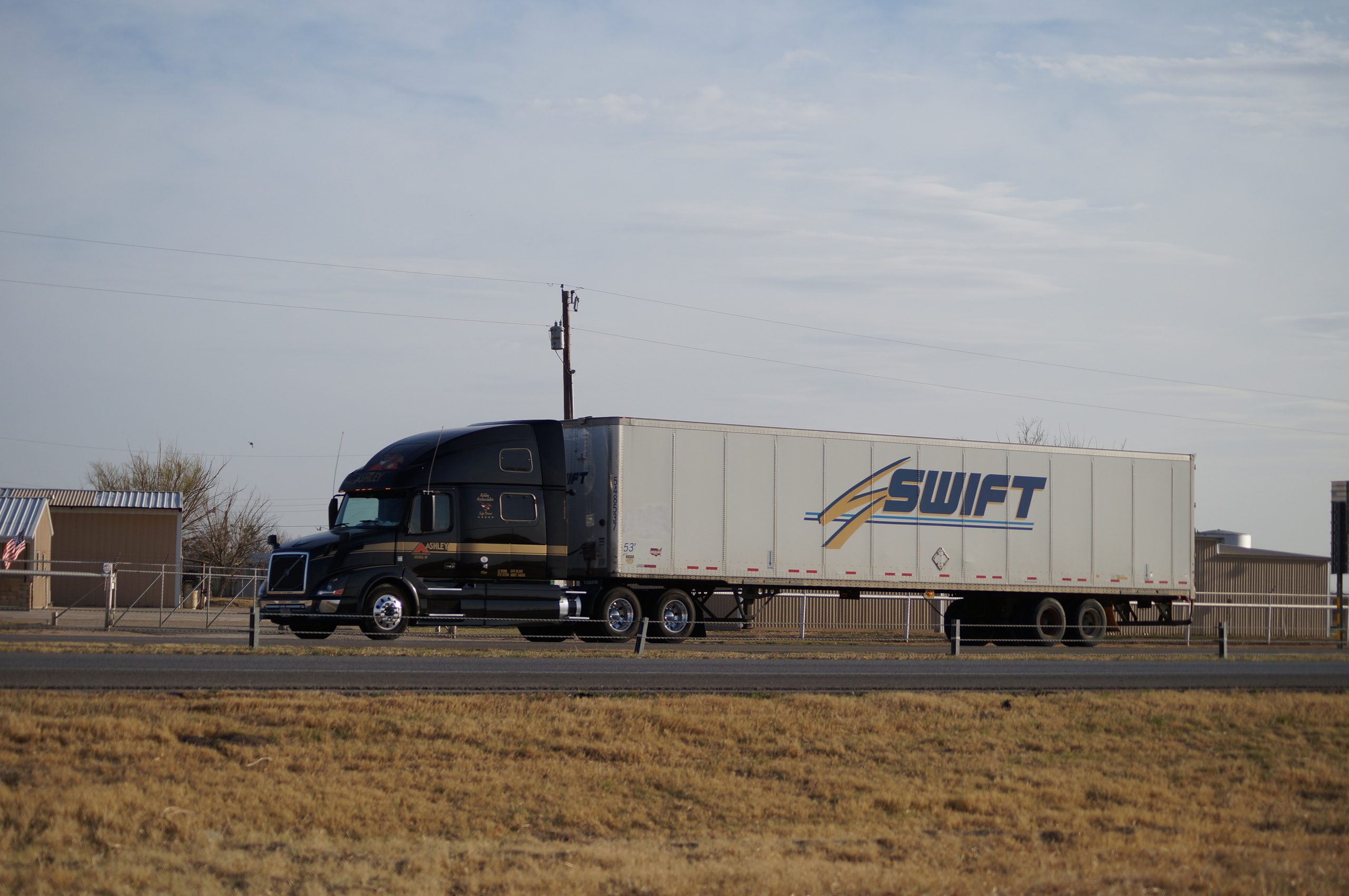 Truck Spotting In Big Country 1 32114