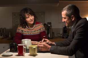 DOUBLES VIES d'Olivier Assayas image Guillaume Canet et Juliette Binoche film cinéma