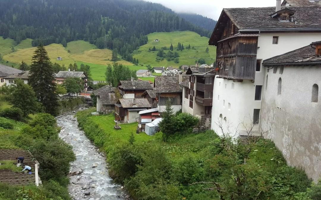 Splügenpass – mit dem VW-Bus über die Alpen
