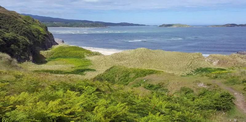 traumhadter Strand in den schottischen Highlands