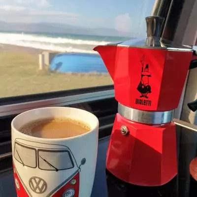Leckeren Kaffee unterwegs gibt es mit einer Bialetti