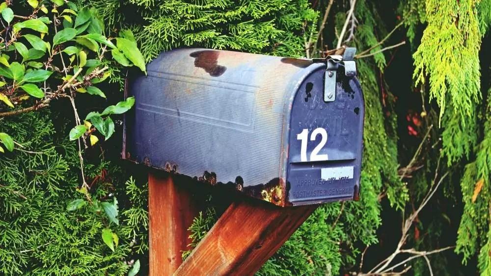 Lasse bei langen Reisen deine Post automatisch digitalisieren.
