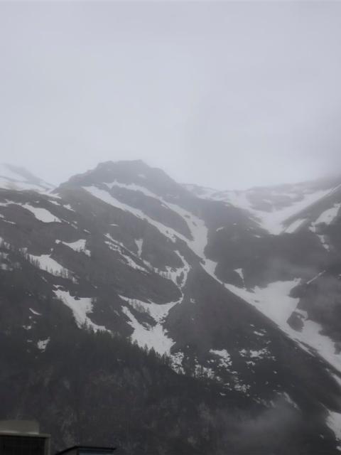Schnee auf de Weg nach Kroatien