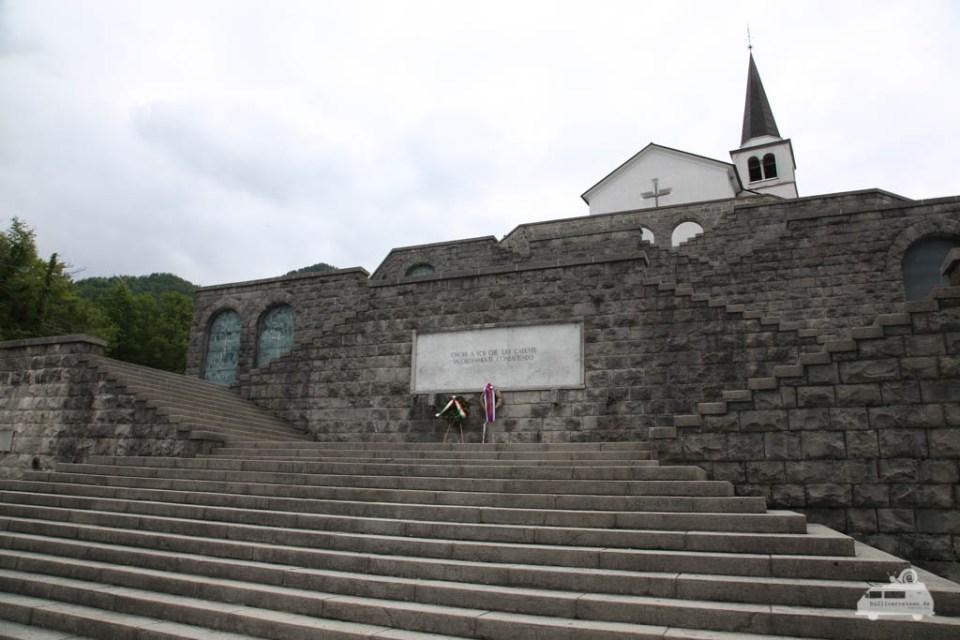 Kostnica s Cerkvijo Sv. Antona