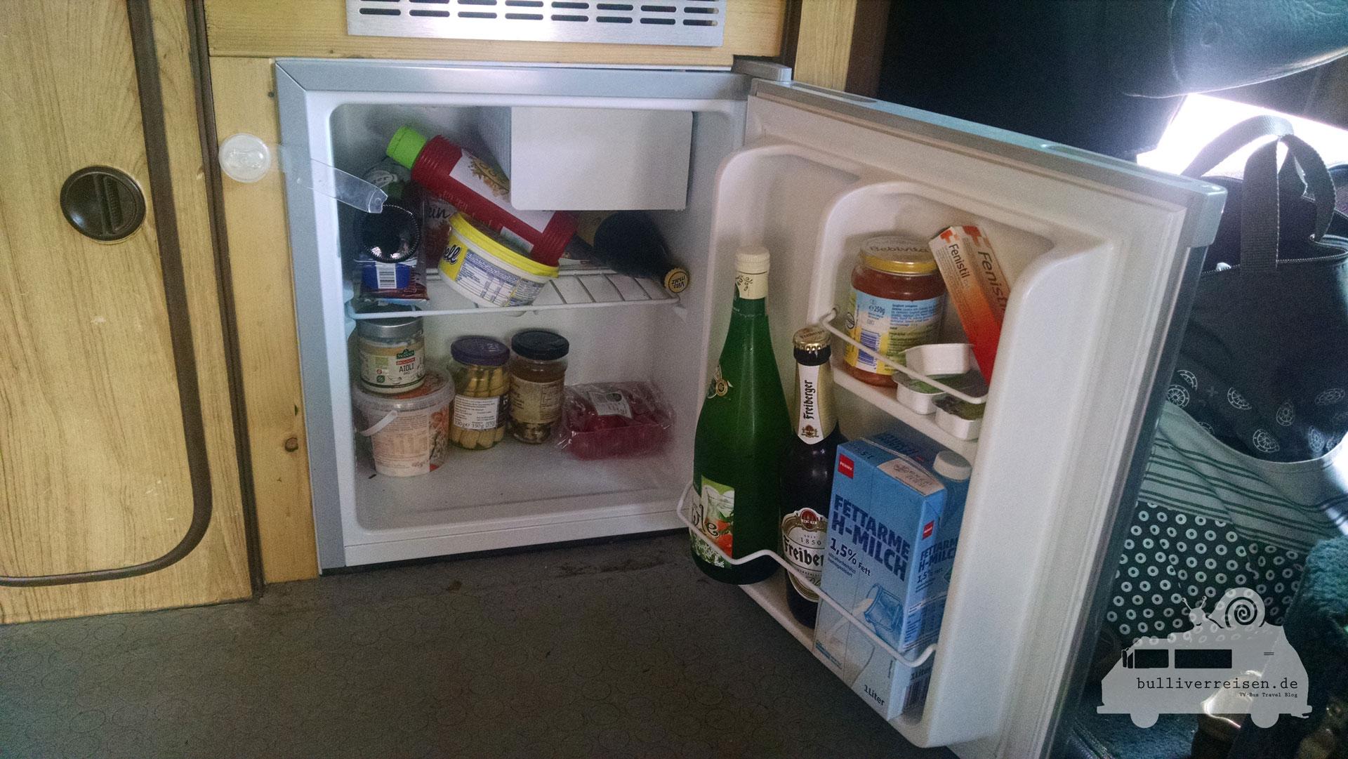 Kühlschrank Von Bomann : Bomann kühlschrank im bus ⋆ reise bulli verreisen