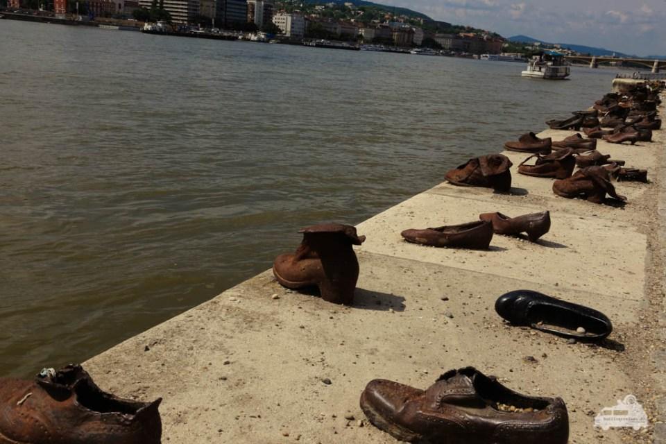 Die Schuhe stehen als Mahnmal an die Judenverfolgung