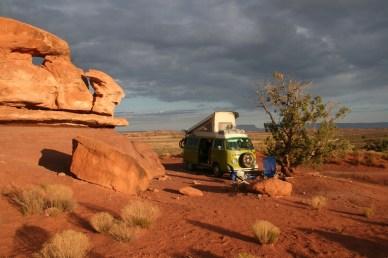 VW T2 in der Wüste von Utah