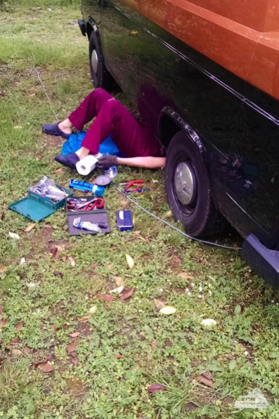 Reparatur am VW Bulli T3 (1)