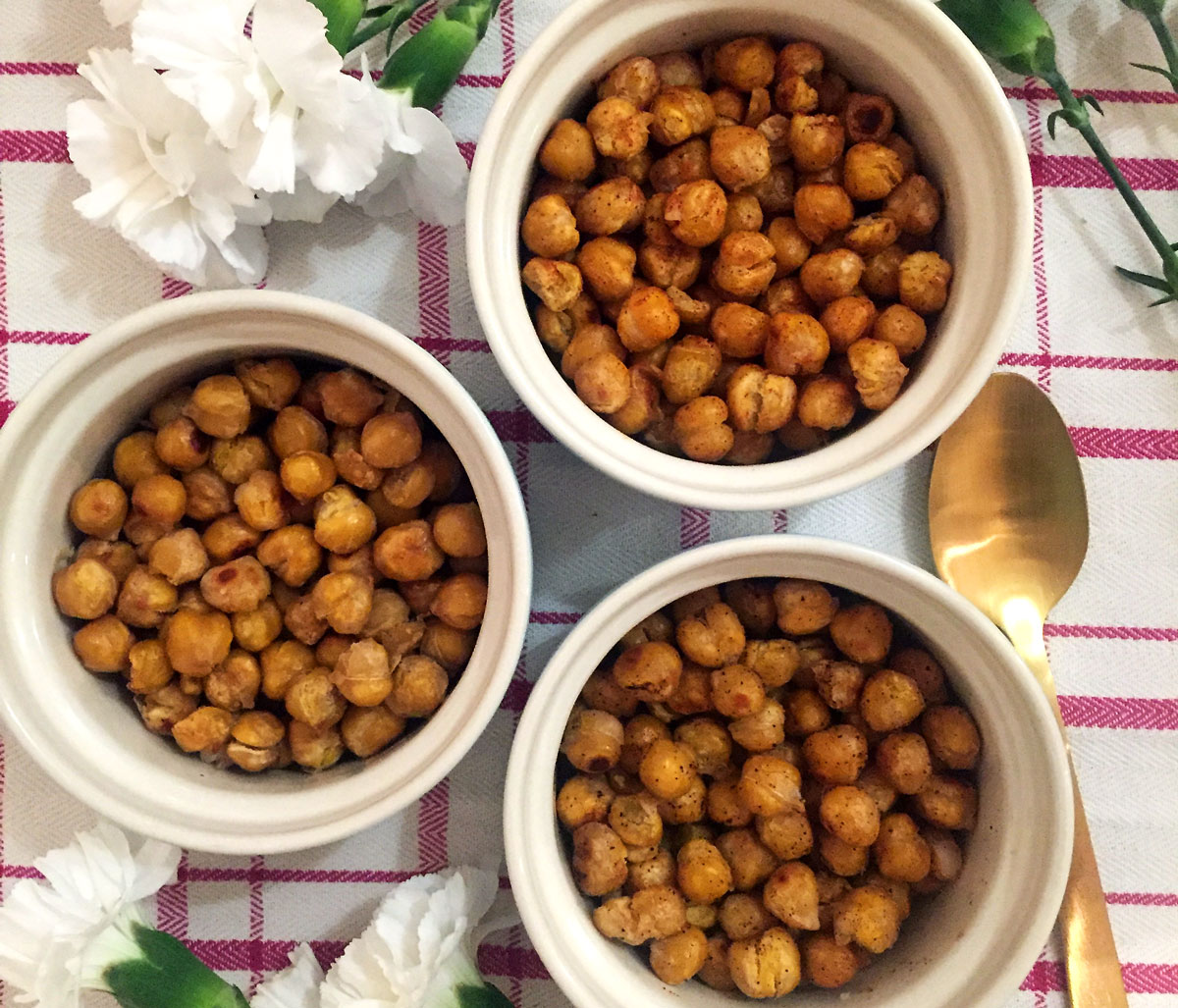 Three-Day-Vegan-Cleanse-Roasted-Chick-Peas-By-Bumble-and-Bustle