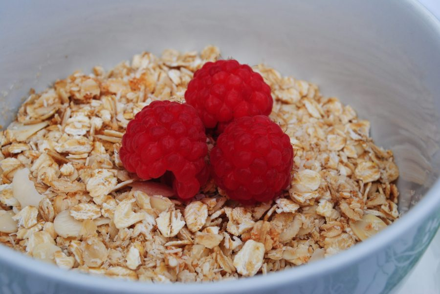 granola-raspberries