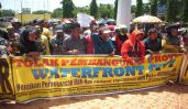 Foto aksi penolakan pembangunan bulukumba waterfront city di kantor bupati Bulukumba 02