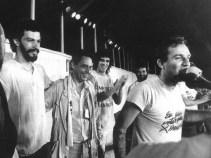 Sócrates dalam demo Gerakan Demokrasi Corinthians 02