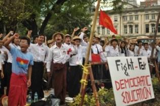Mahasiswa Burma 15