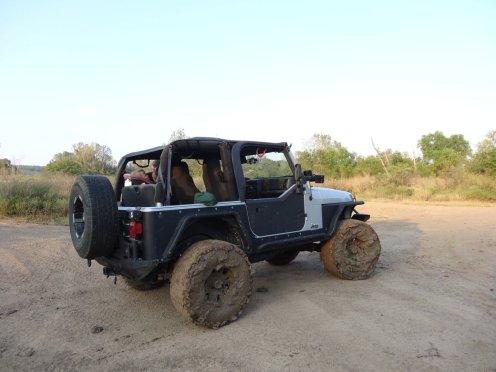Dank einer Seilwinde ist der Jeep wieder gut rausgekommen