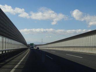 Auf der Autobahn - leider sieht man nichts mehr von der Landschaft