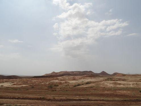 Kurz nach Teheran beginnt die Wüste