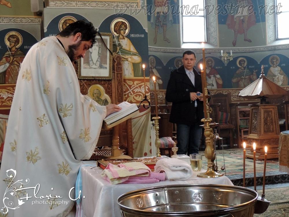 Naşii de botez - părinţii spirituali ai finului