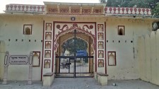 entrance gate of sukh mahal