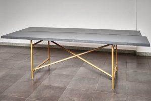 Esstisch mit Betonplatte auf Kupfergestell   B&K Design
