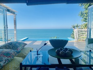 Salt Rock Dreaming – Contemporary 5 Bedroom Beach House with Pool
