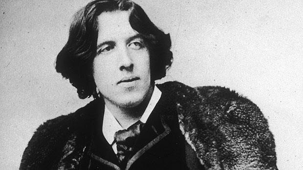 Quote Oscar Wilde comma