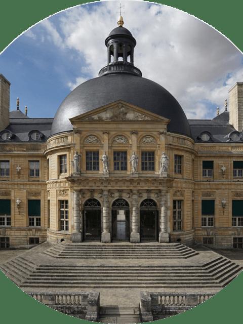 France Week Dallas Blooms Le château Vaux-le-Vicomte en France Bun E. Boniface