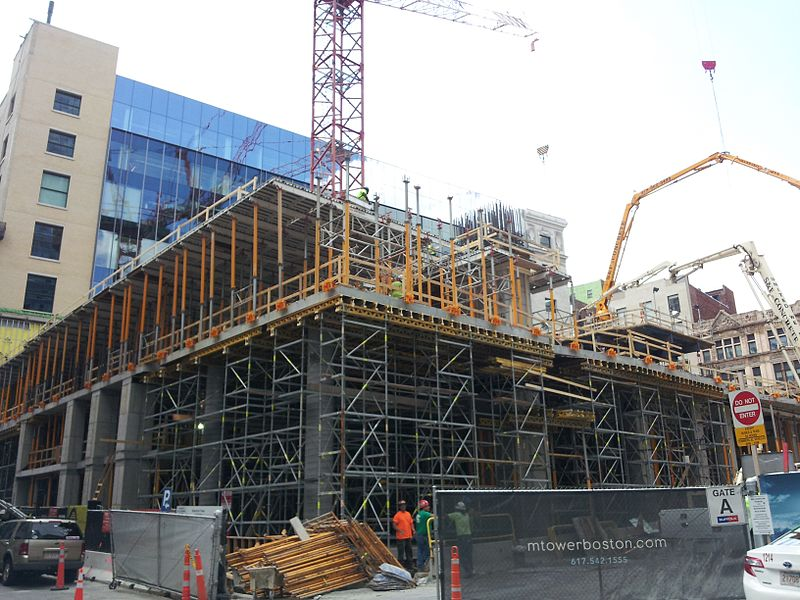 Millennium_Tower_construction,_18_August_2014