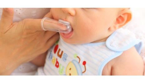 iq baby finger brush