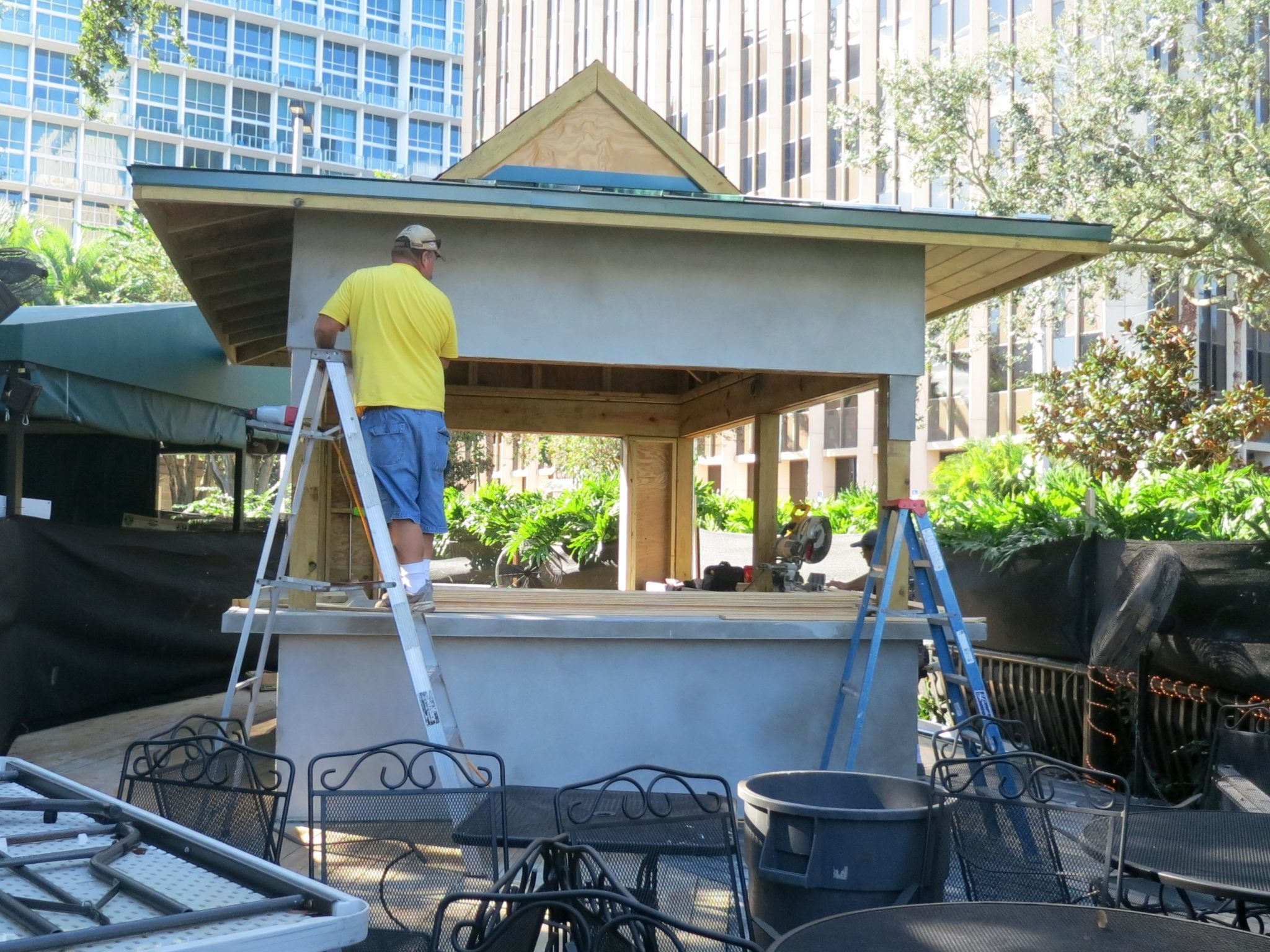 Relax Grill at Lake Eola Adds Cabana Bar bungalower