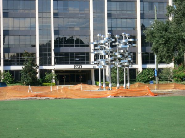 Sixth Art Orlando Sculpture Moves With Wind