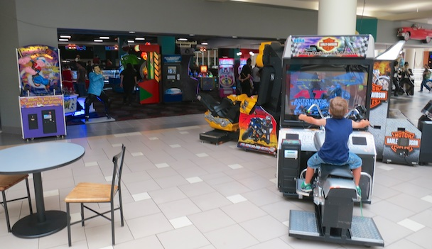 Bowling Alley And Arcade Opens At Fashion Square Mall
