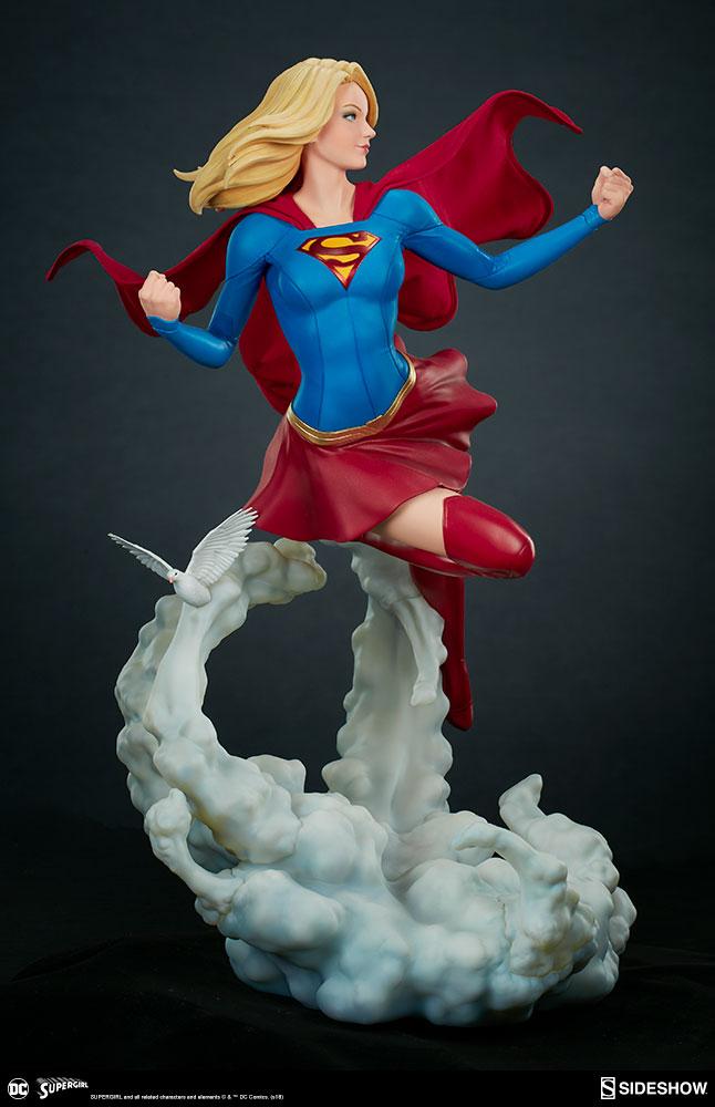 supergirl comic figur