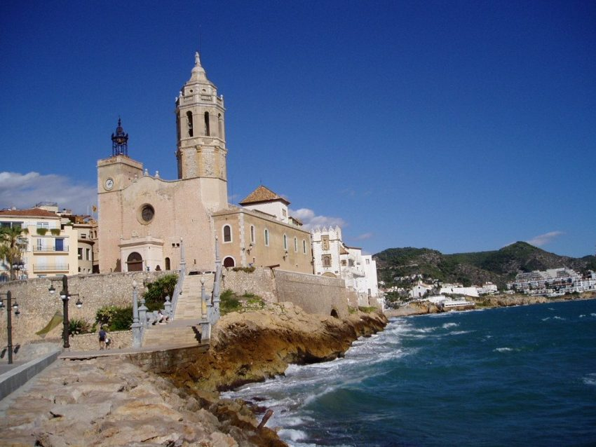 stay-near-barcelona-sitges