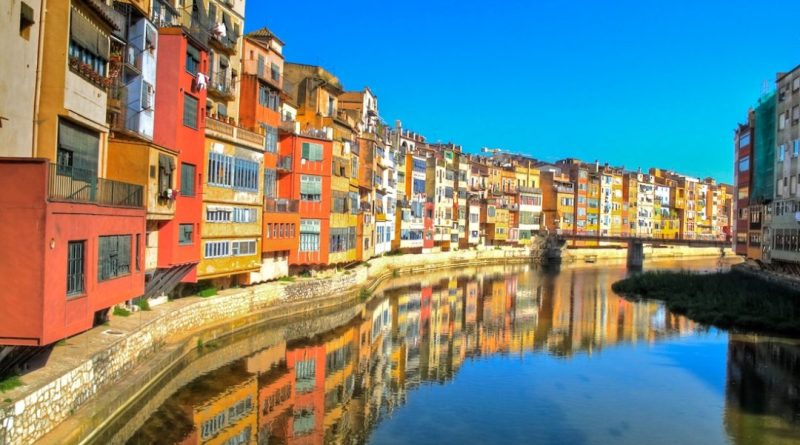 day-trip-to-girona-riverside