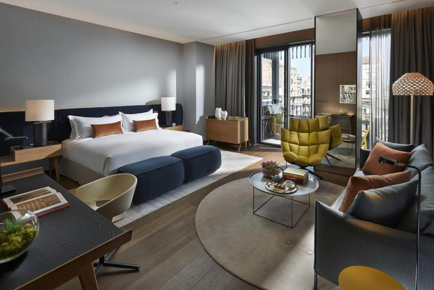 exclusive-hotels-in-barcelona-hotel-mandarin-rooftop-studio-suite