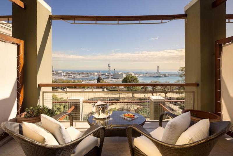 exclusive-hotels-in-barcelona-hotel-miramar-terrace