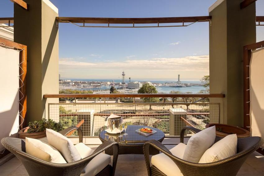 exclusive-hotels-in-barcelona-hotel-miramar-terrace