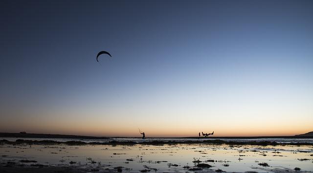best-hostels-in-spain-tarifa-kitesurfing