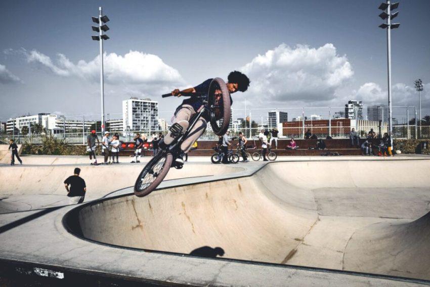 best-skate-spots-in-barcelona-skatepark-mar-bella-bike-rider