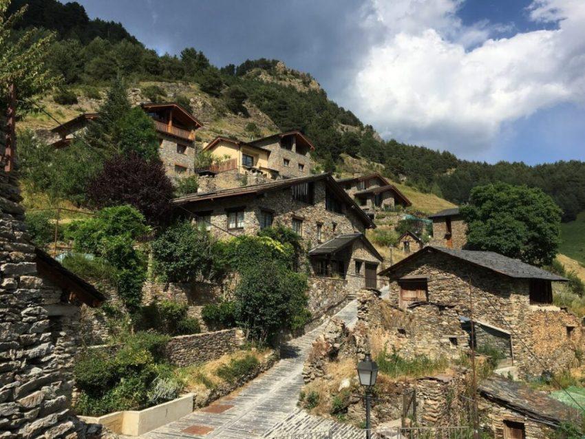 best-ski-resorts-near-barcelona-andorra-stone-houses-rural
