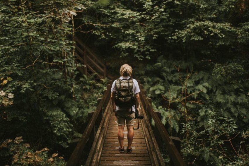 how-to-open-a-hostel-backpacker-bridge