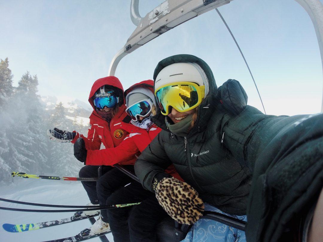 bukovel-ski-resort-friends-selfie