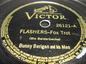 """The label for the lovely recording Berigan made of Bix Beiderbecke's composition """"Flashes."""" RCA Victor was rather out of touch with what Berigan was recording by the time this record was produced in late 1938. (Note the misspelling.)"""