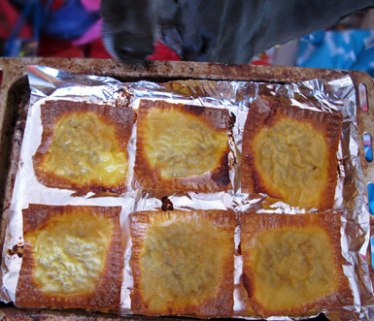 Baked wonton-ravioli (who's that sniffing at the tray?)