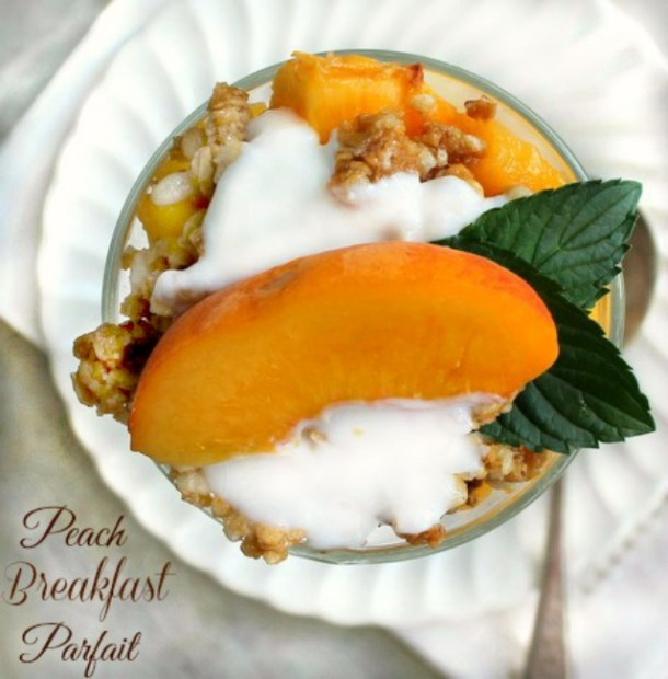 Fresh Peach Yogurt and Granola Parfait