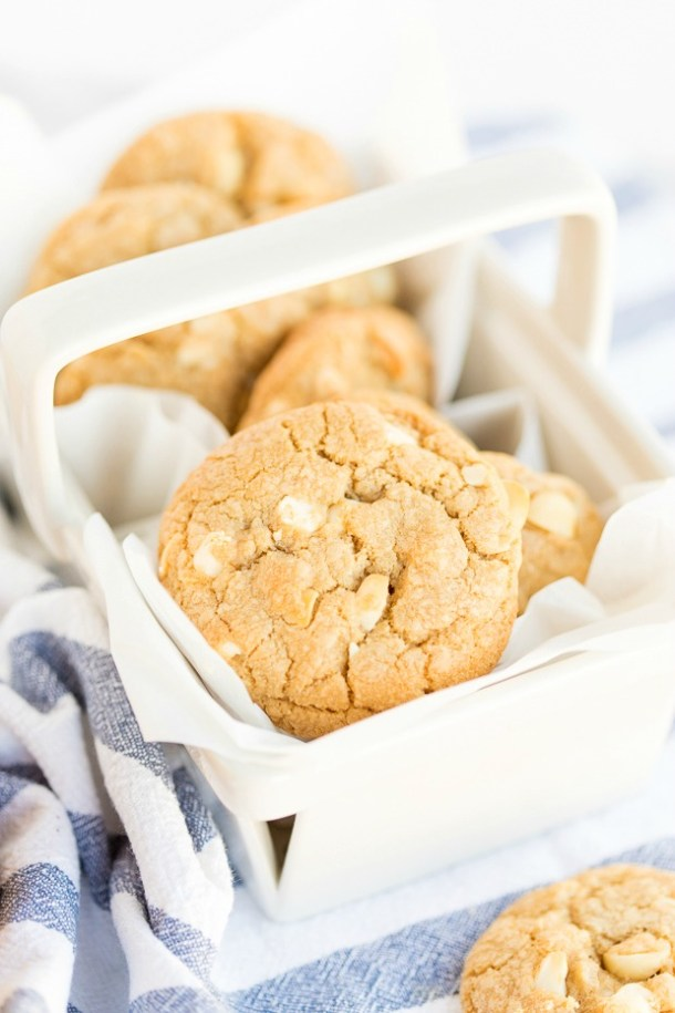 Chewy White Chocolate Macadamia Cookies